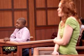 """Coleman, left, and his wife Shannon Price on the set of Twentieth Television\'s \""""Divorce Court,\"""" on March 13, 2008, in Los Angeles. The couple appeared in front of Judge Lynn Toler, host of the nationally syndicated court show, to confront issues with their marriage. (AP Photo/Twentieth Television, Neil Leventhal)**"""