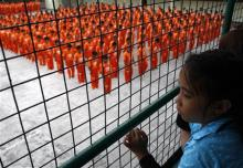orange-prisoners5