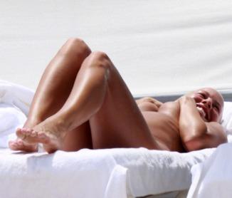 kanye-amber-rose-bikini-19
